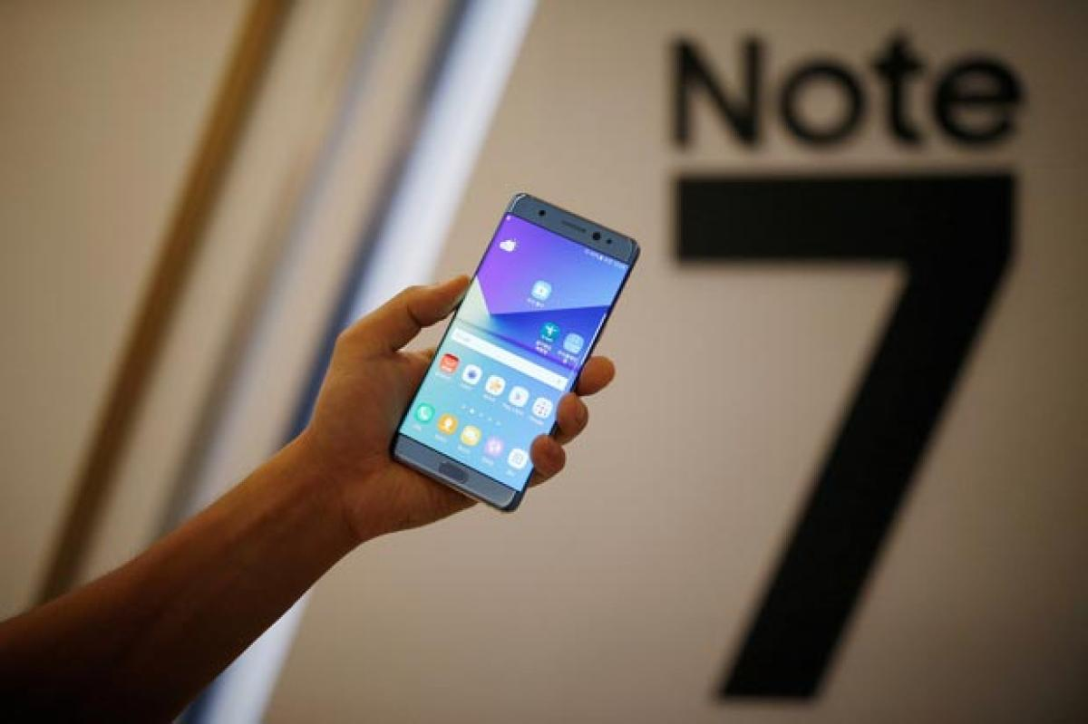 Exploding Galaxy Note 7 totals family Jeep