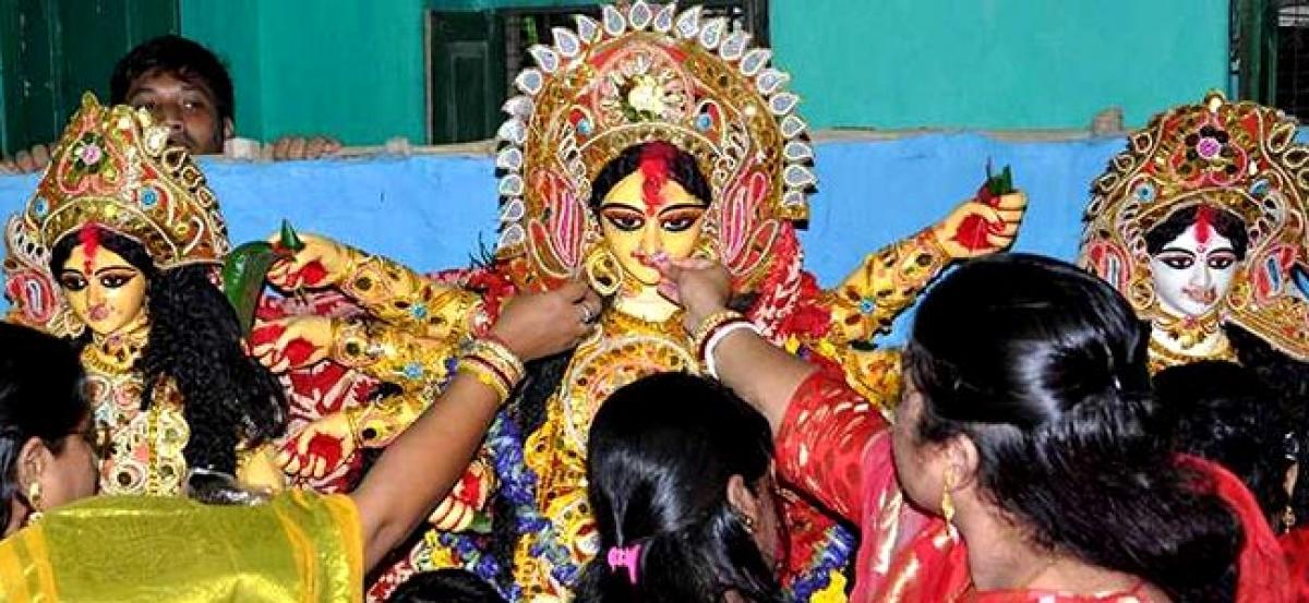 Bengal: Devotees bid farewell to Durga on Vijaya Dashami