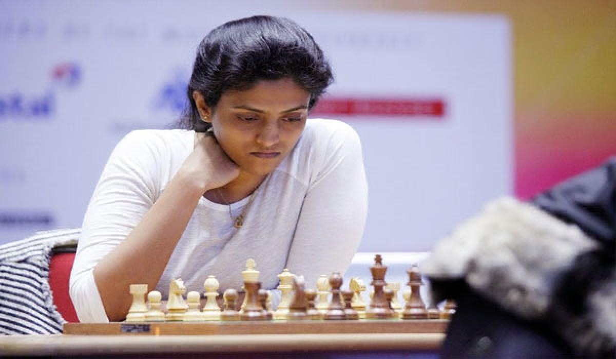 Harika Dronavalli bounces back with fluent win