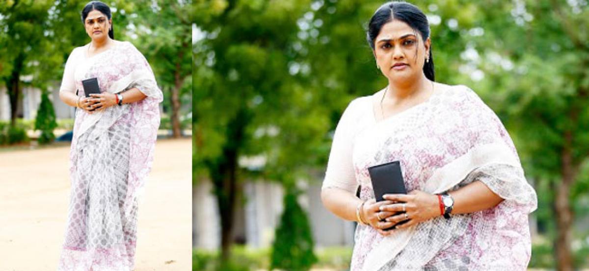 Actress Nirosha returns to play a mom