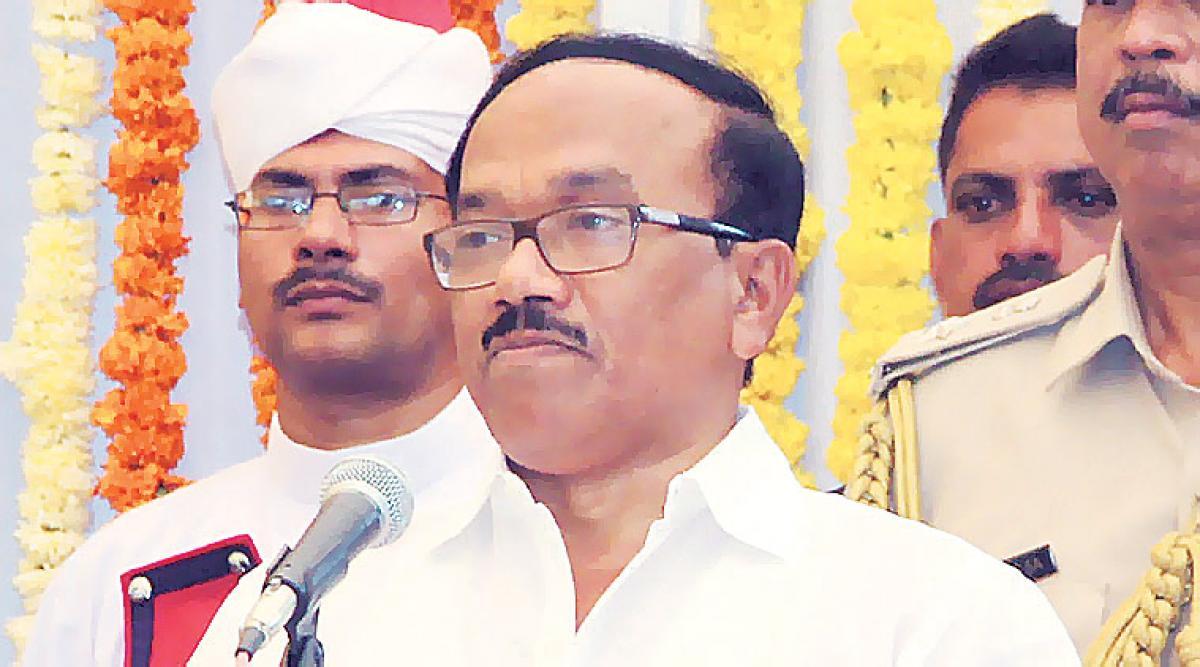 Goa CM Laxmikant Parsekar trails by 1,000 votes