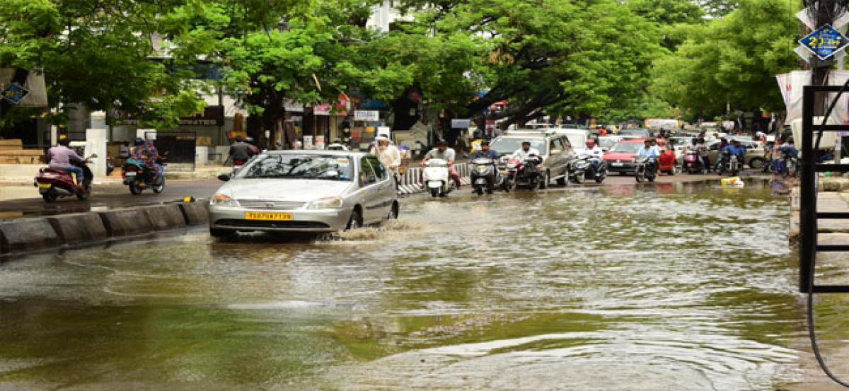 Arrival of monsoon brings Hyderabad to knees