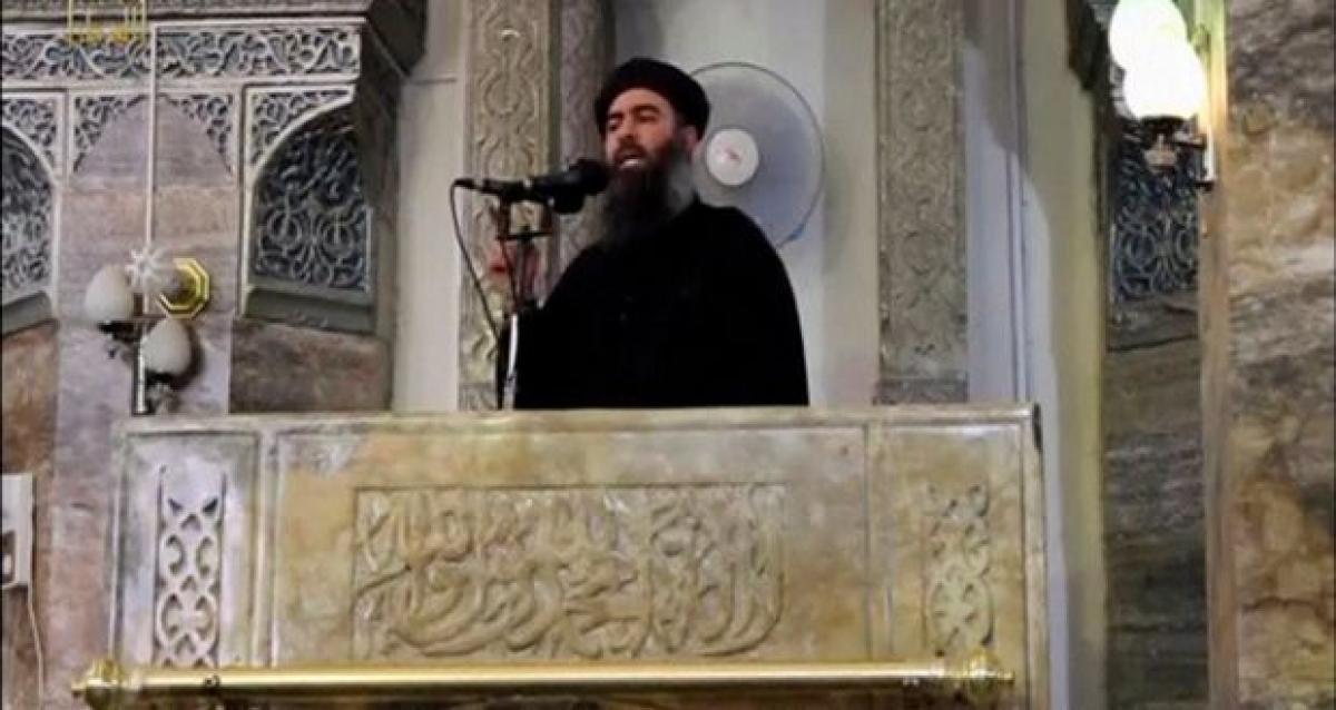 ISIS chief Abu Bakr al-Baghdadi flees Mosul, hiding in desert: officials