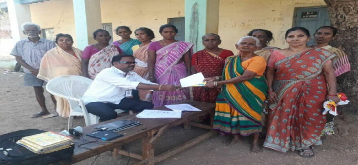 Distribution of pensions begins