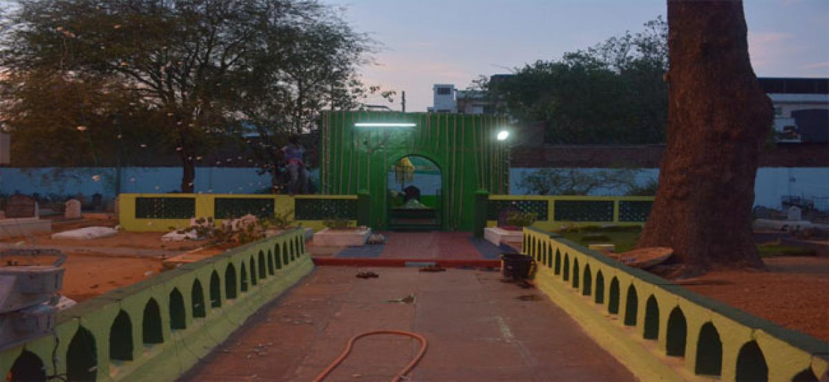 Wakf Board blinks at dargah takeover even after fiver years