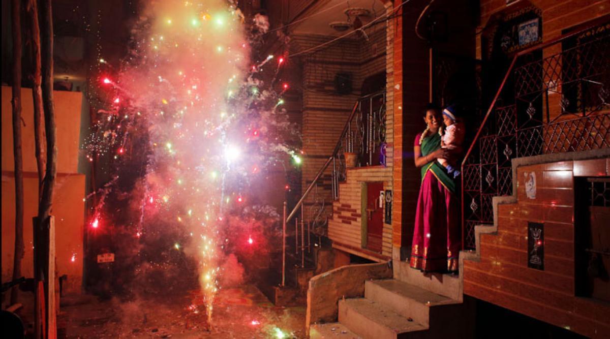 Will Delhi ban firecrackers during Diwali?