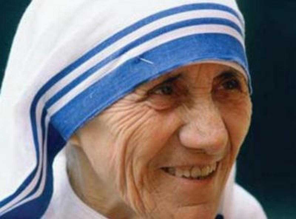 Indian origin author in Britain calls Mother Teresa