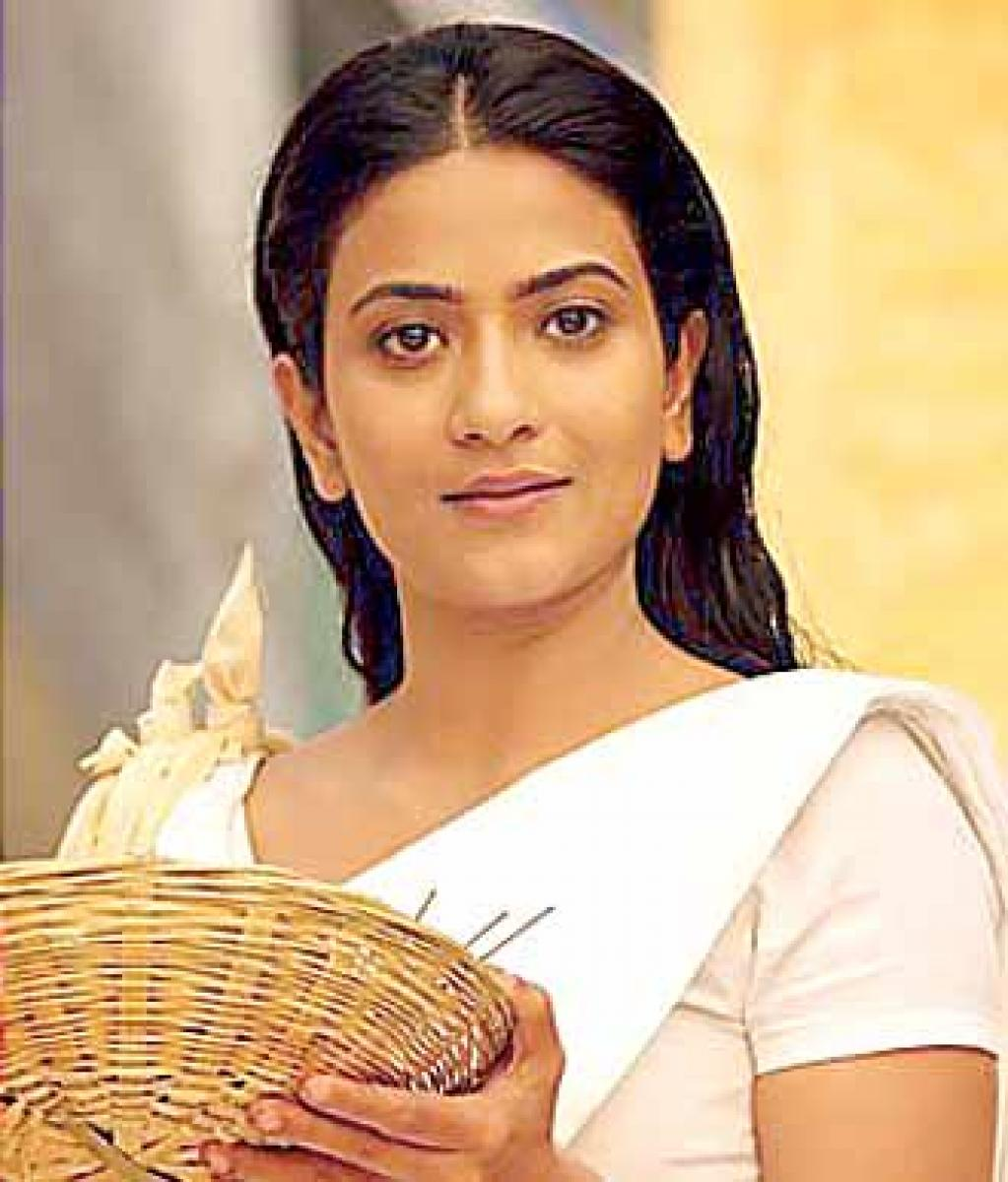 Aditi Sharma shoots in River Ganga for two hours
