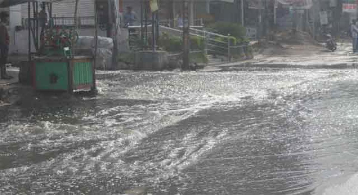 Heavy rain lashes Telangana