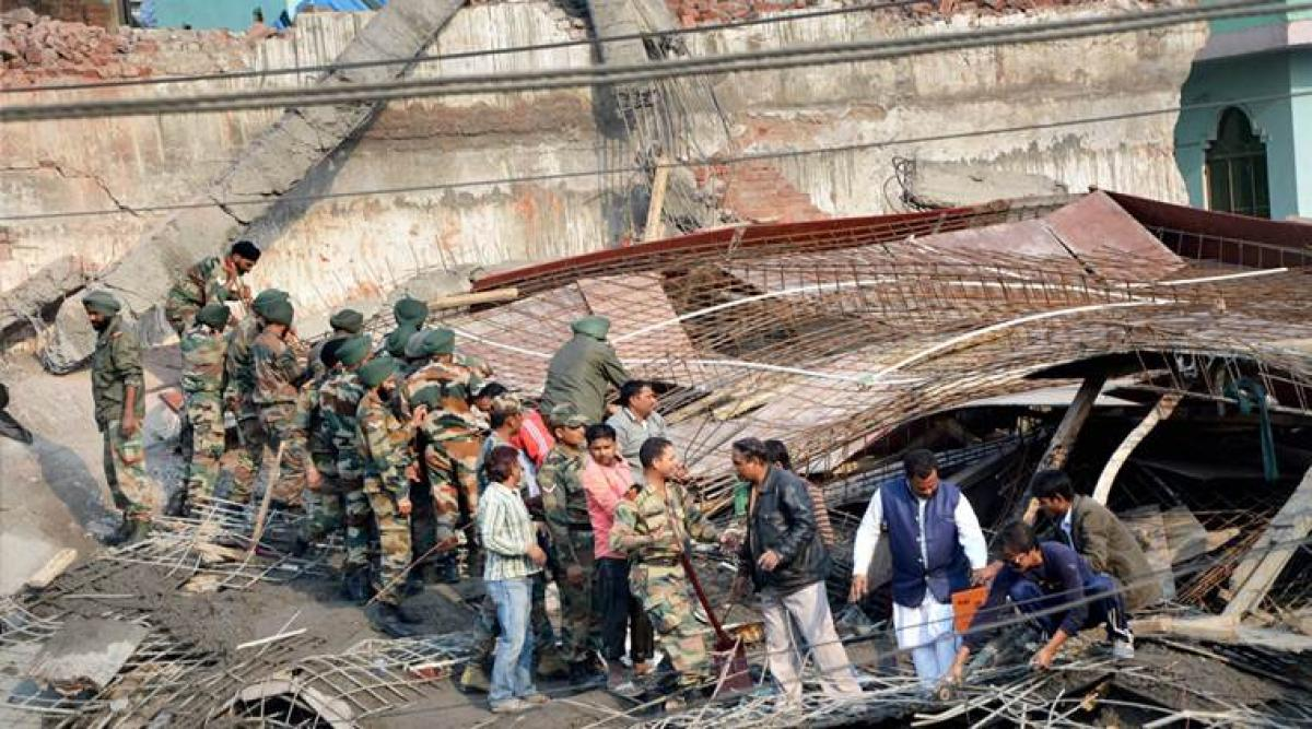 Kanpur: Two dozen trapped in building collapse