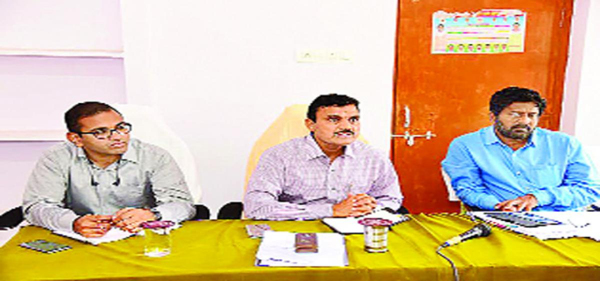 Farmers' cooperation  sought for Sripada  Yellampally project  completion