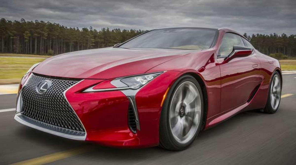 Lexus LC 500 coupe unveiled