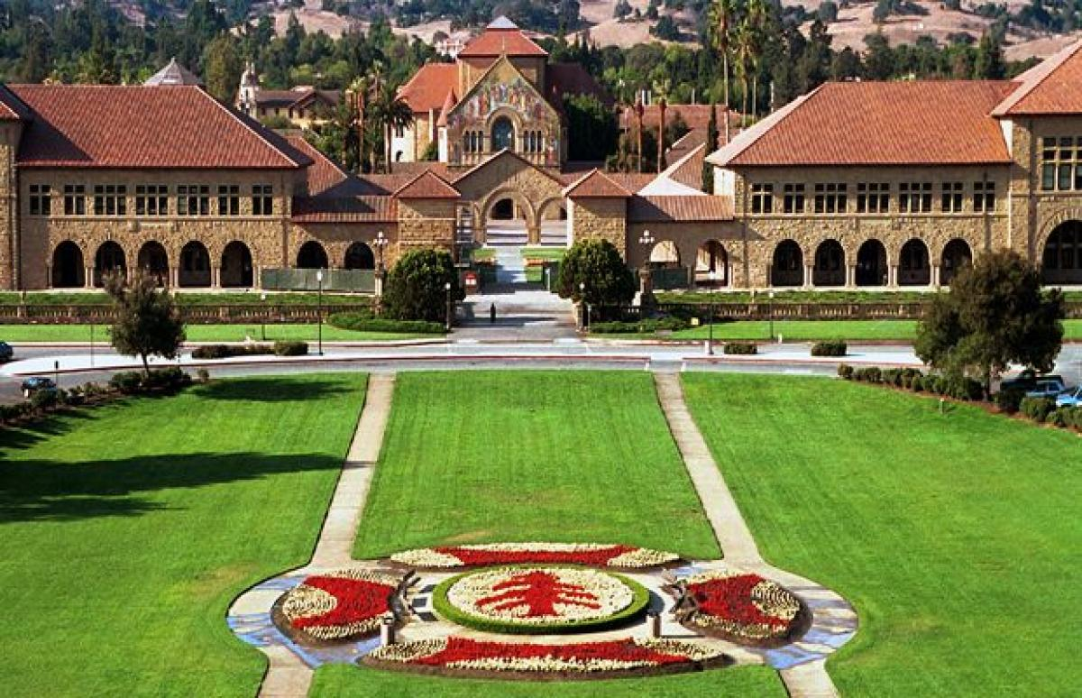 Bomb threat prompts evacuation of Stanford Business School