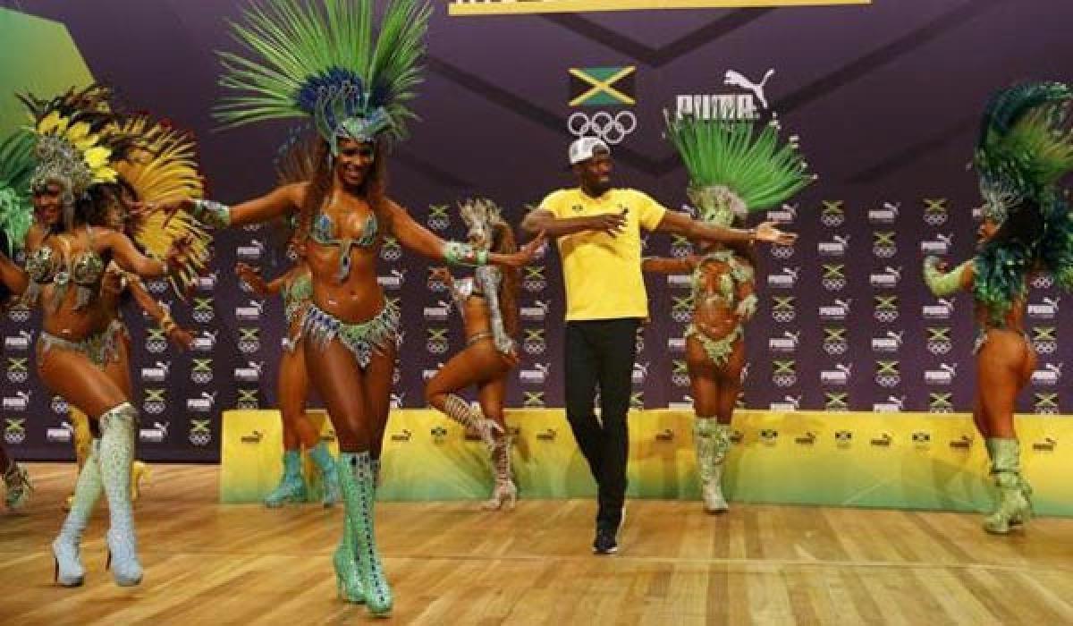 Usain Bolt moves to Samba beats at Rio Games