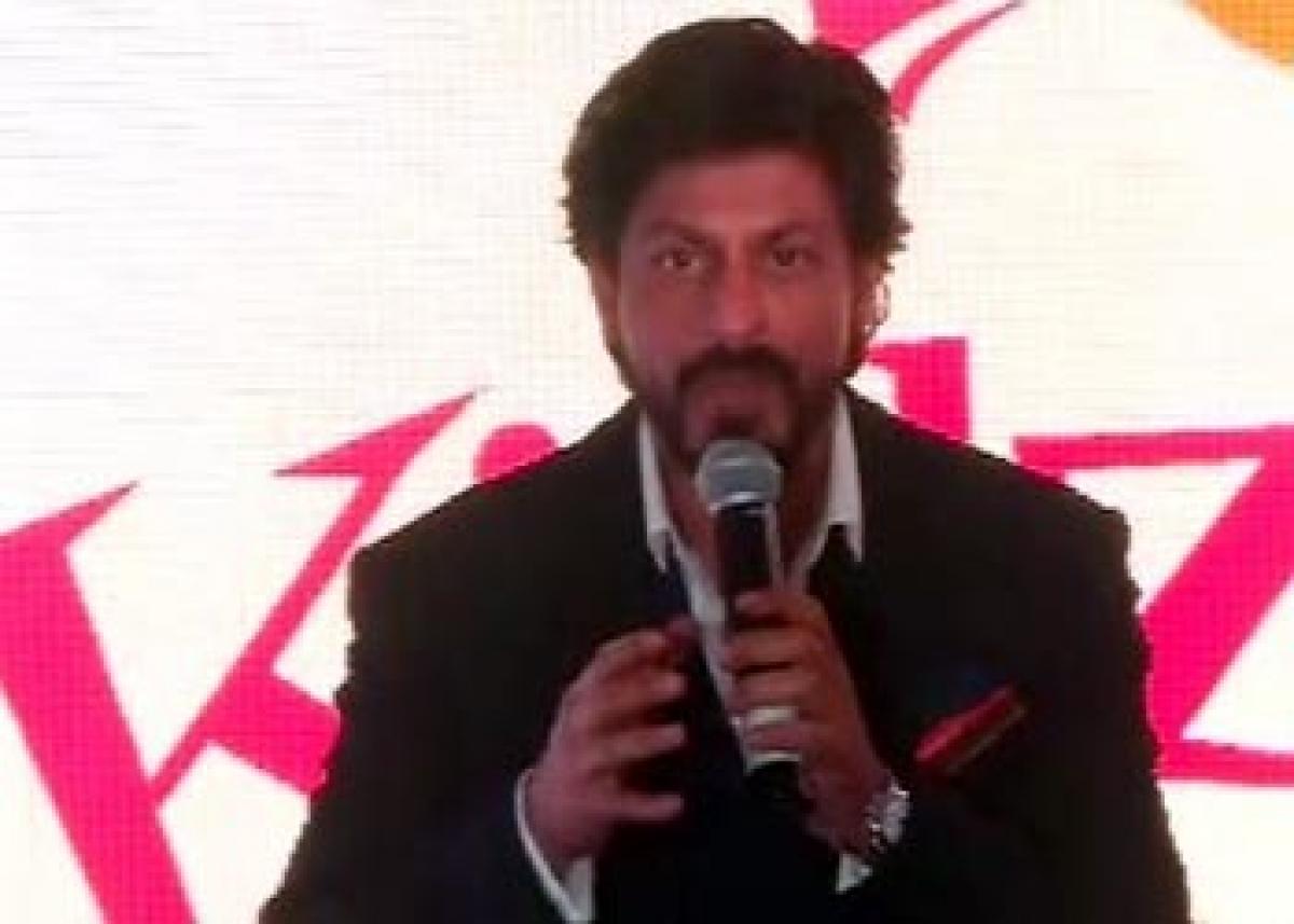 SRK goes down his Mohabbatein days