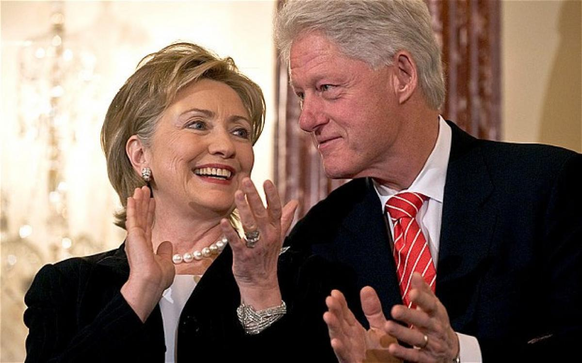Hillary Clinton battered Bill, claims book