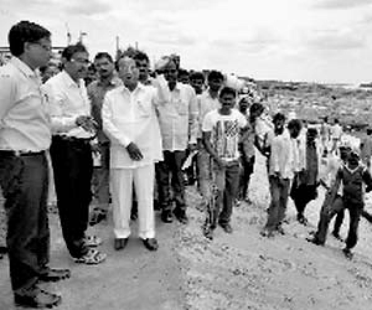 Speaker inspects Pushkaralu works