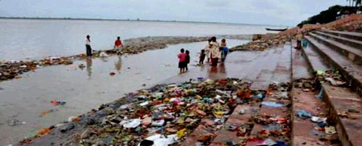 Dead bodies in river Ganga: NGT pulls up govt