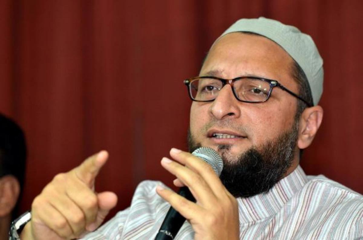 Owaisi: Modi, Akhilesh will not be forgiven for Gujarat, Muzaffarnagar riots