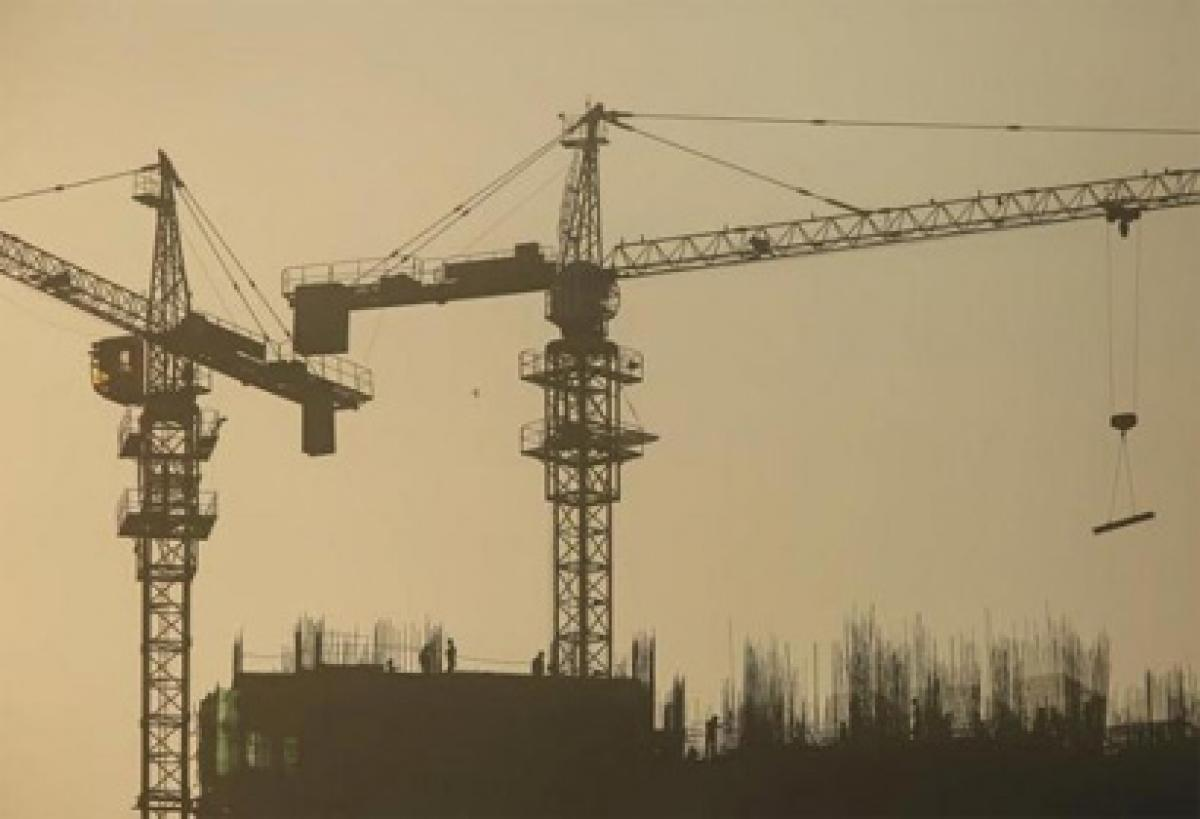 Indias economy lost momentum on dwindling domestic and global demand?