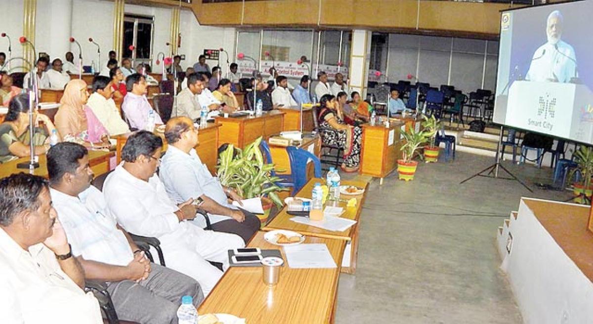 Mayor corporators watch Modi speech telecast