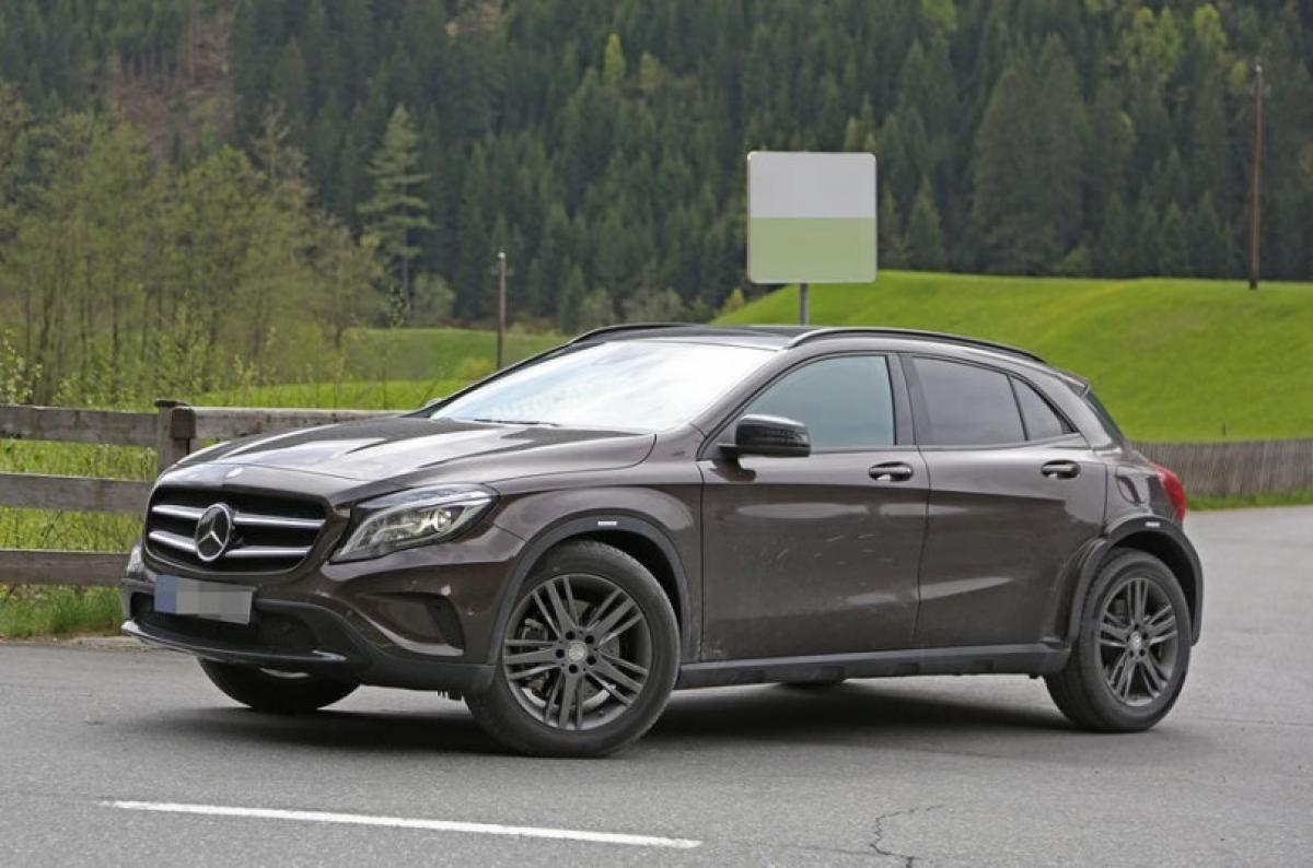 Spotted: Mercedes GLB SUV on Europe roads