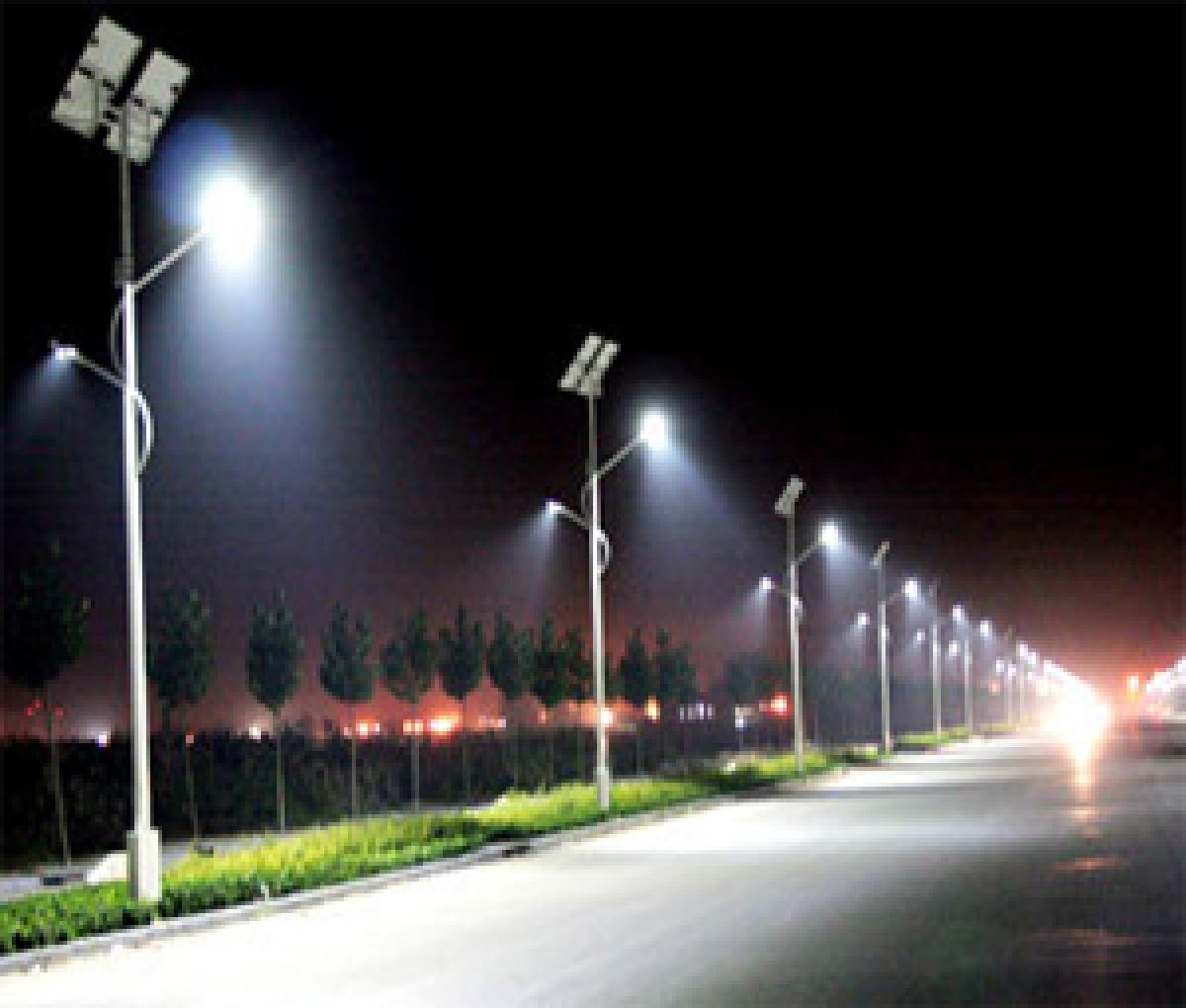 Solar street lighting in Delhi for road safety