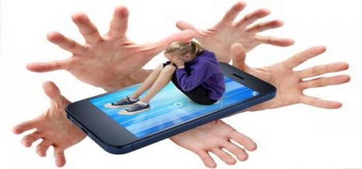 Why teenagers rarely share online risks with parents