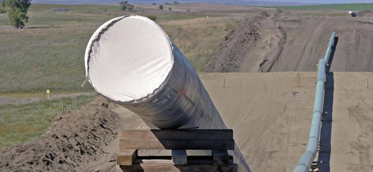 Dakota Access opponents urge action as Army consent looms
