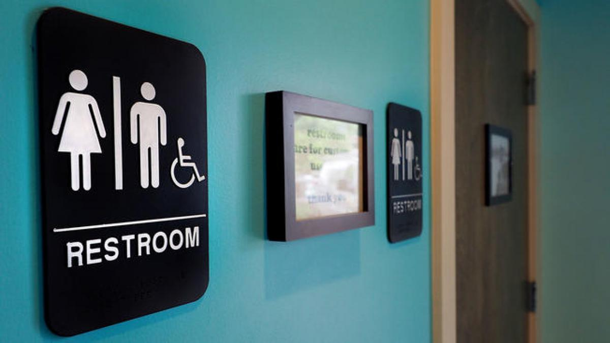 US: Judges sides with transgender students over bathroom access