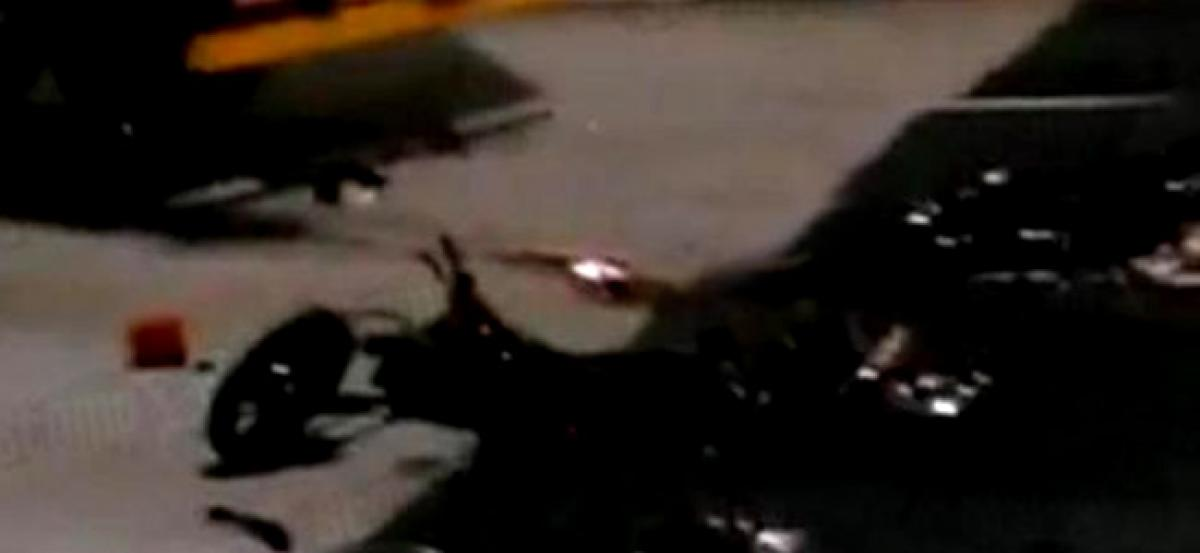Three killed in collision between two motorcycles