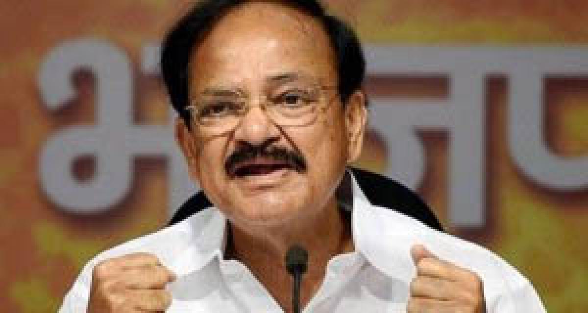 PM not linked to CBI raid at Kejriwals office: Naidu