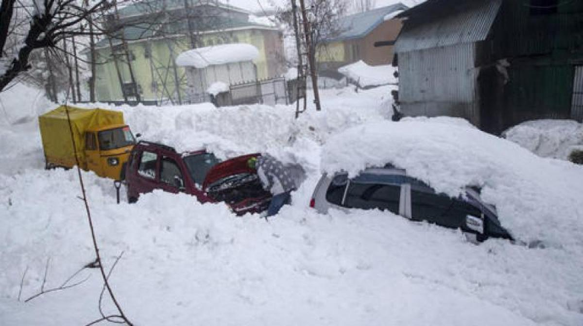 Kashmir police clear 4 km of snow to rescue stranded pregnant woman