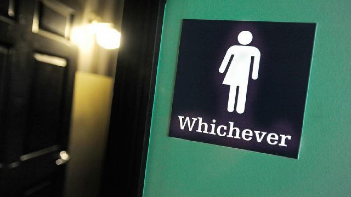 US withdraws stay request in transgender bathroom case