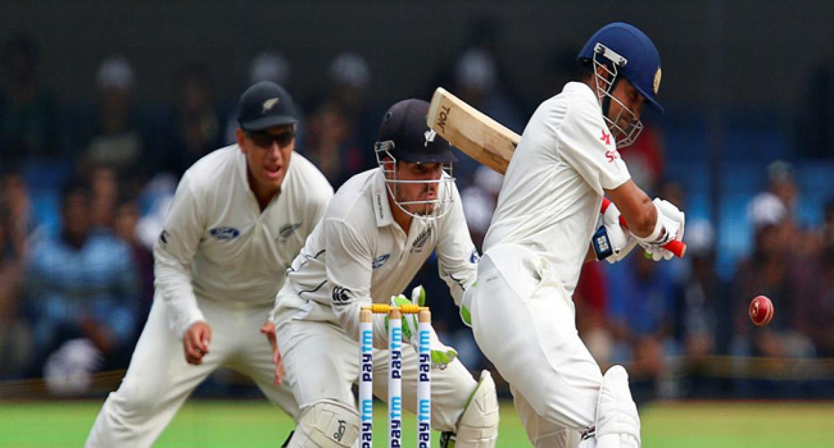 Gambhir, Vijay depart as India reach 75 for 2 at lunch