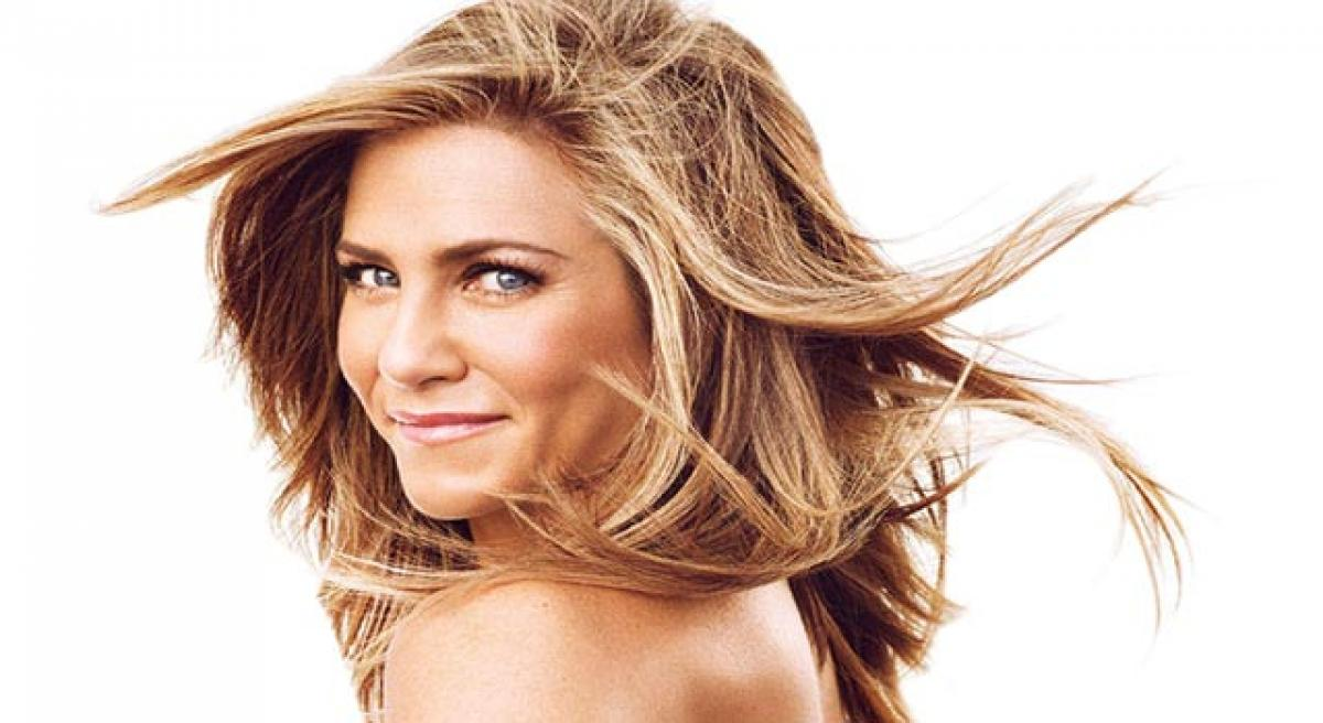 Aniston to play mom in Dumplin