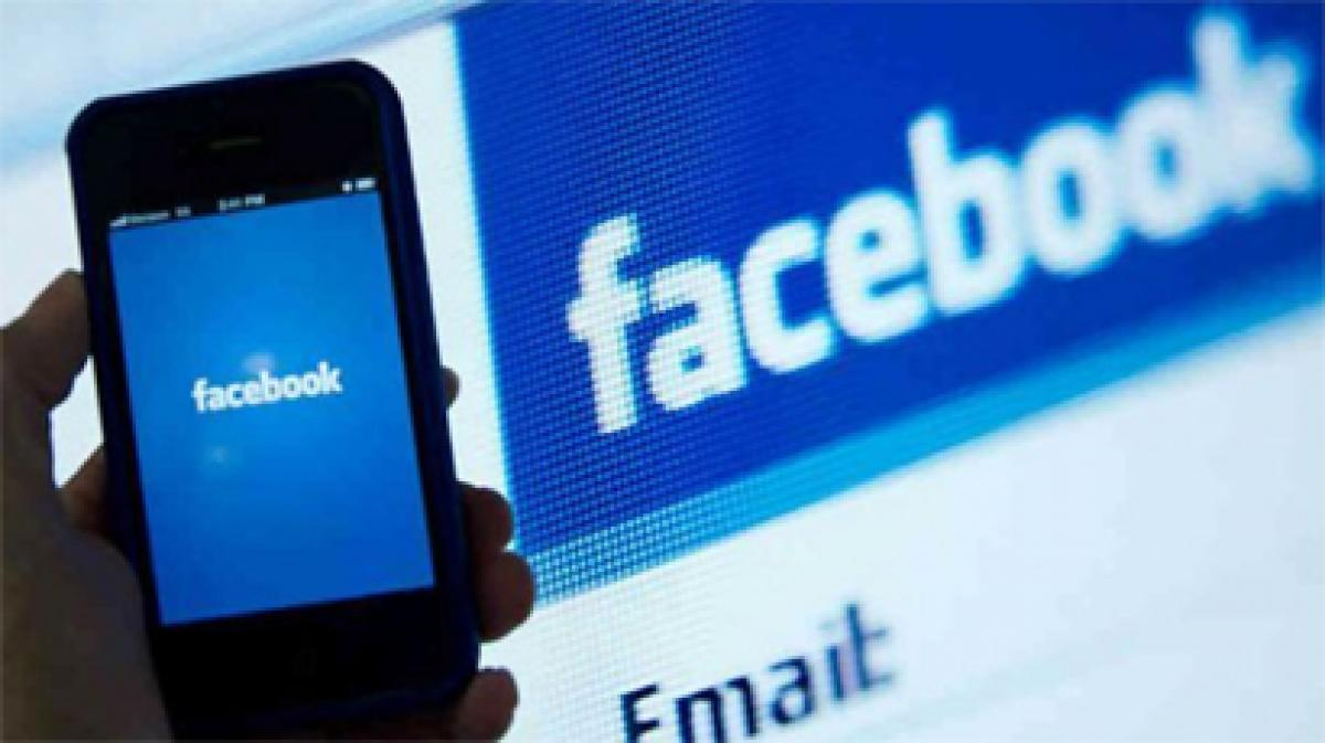 Facebook closes gap with Google in Q4 earnings