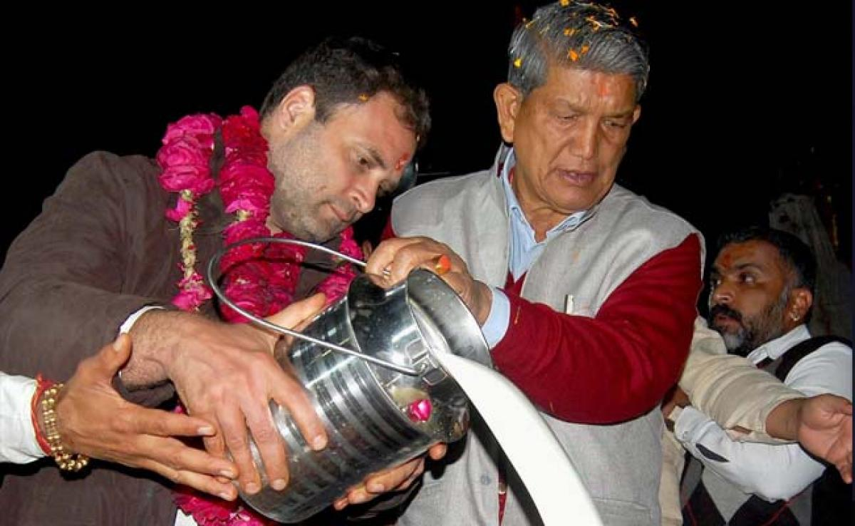 Police Case Against Rahul Gandhi, Harish Rawat For Model Code Violation