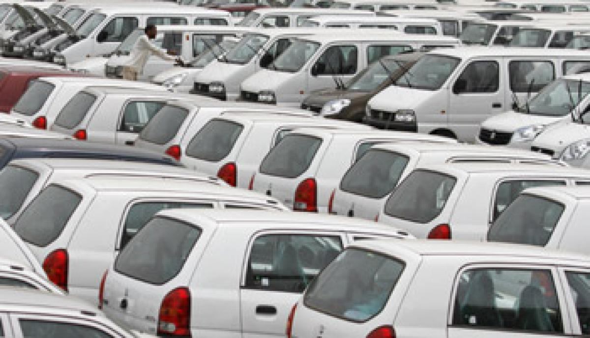 Automakers post record sales in FY16