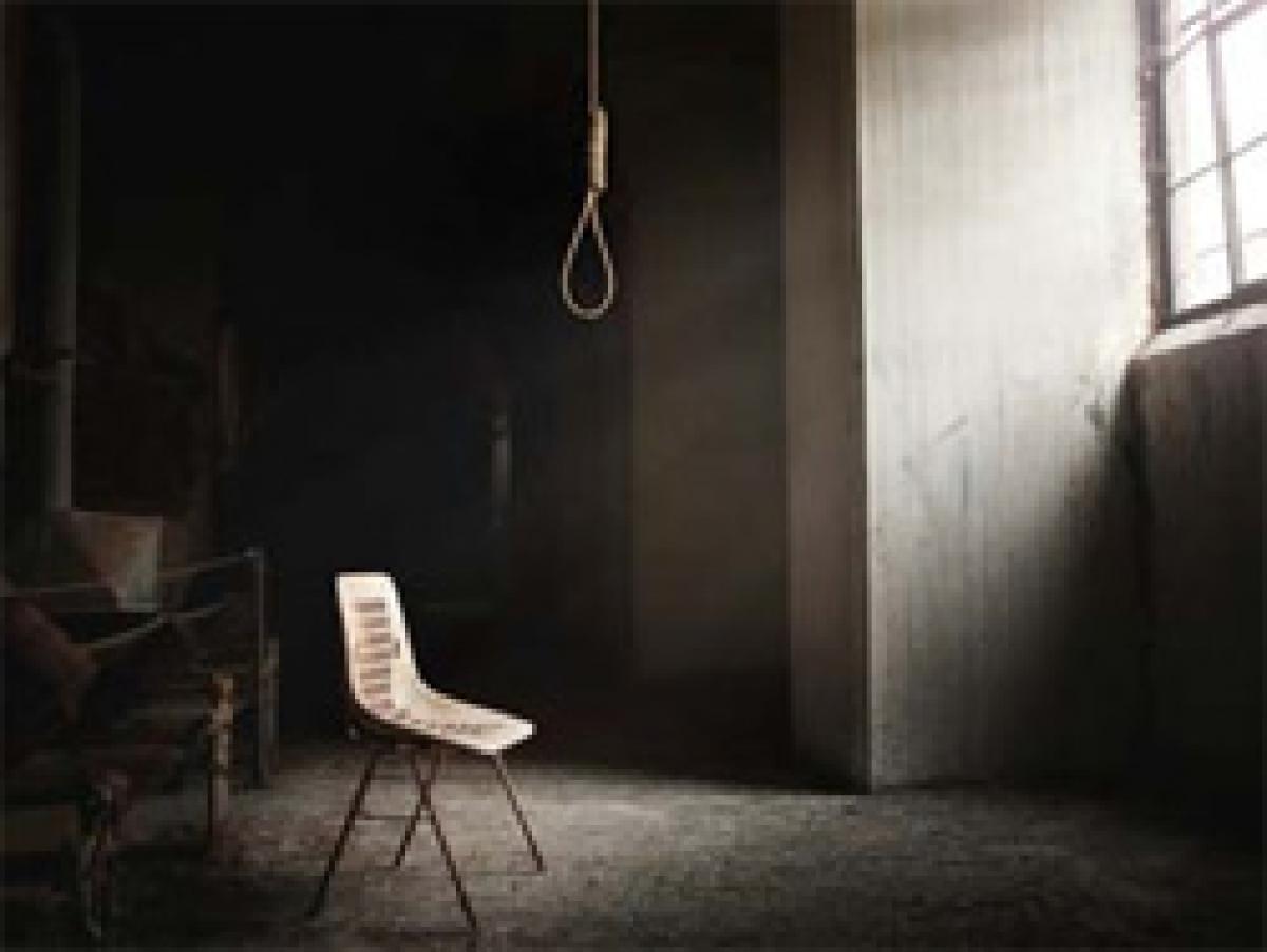 Indian woman in UAE hangs herself to death