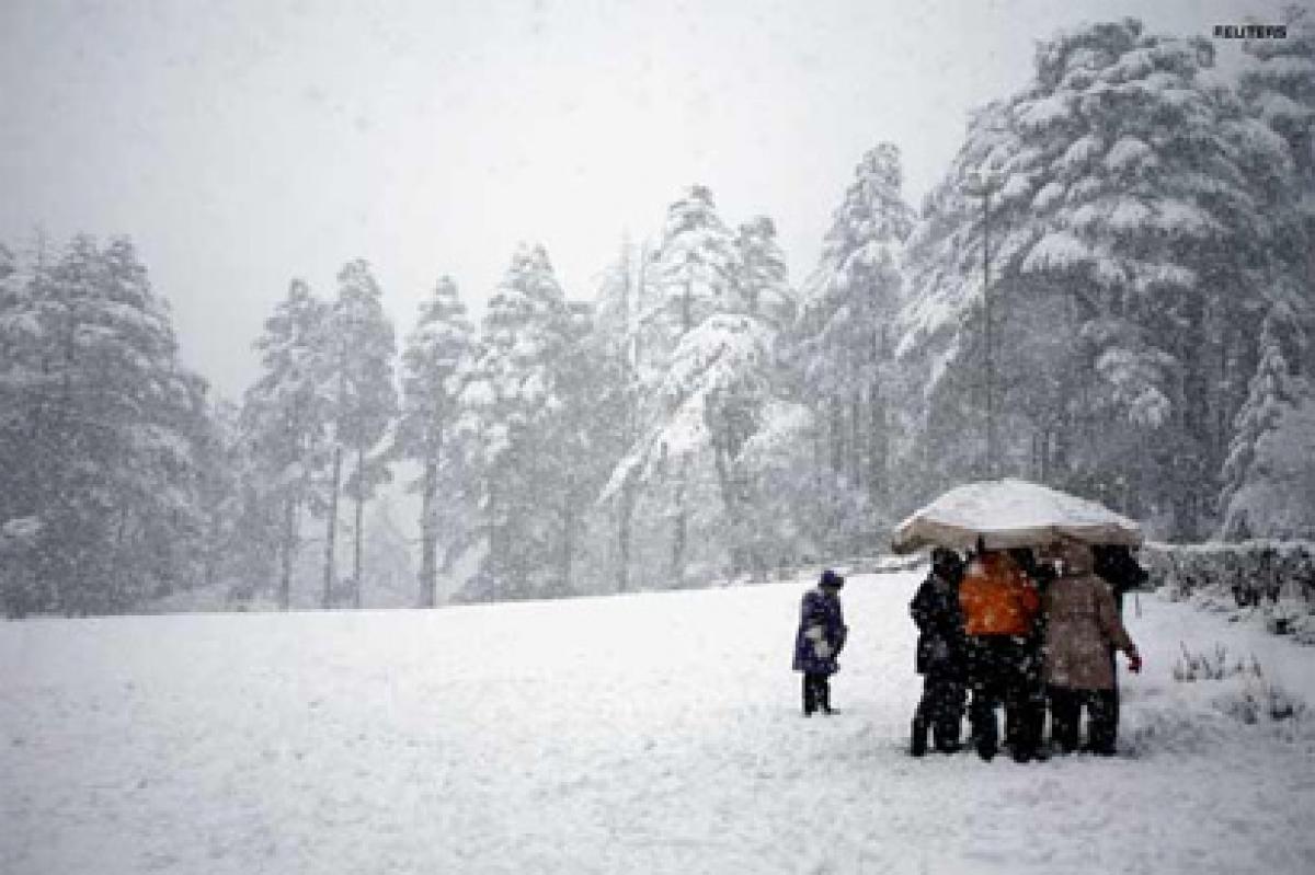 Hills near Manali get snowfall
