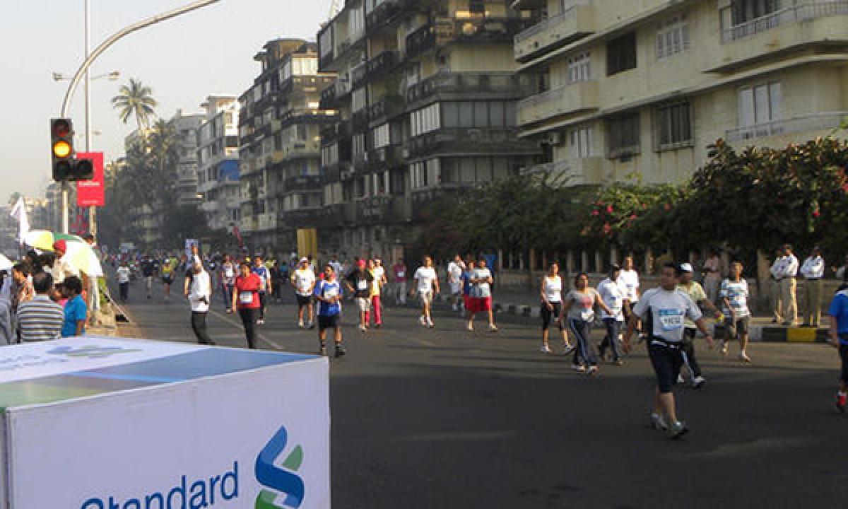 Mumbai Marathon underway with glory and glam
