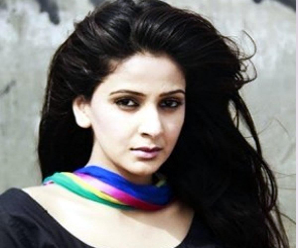 Saba Qamar feels her Bwood debut flick to be like Piku