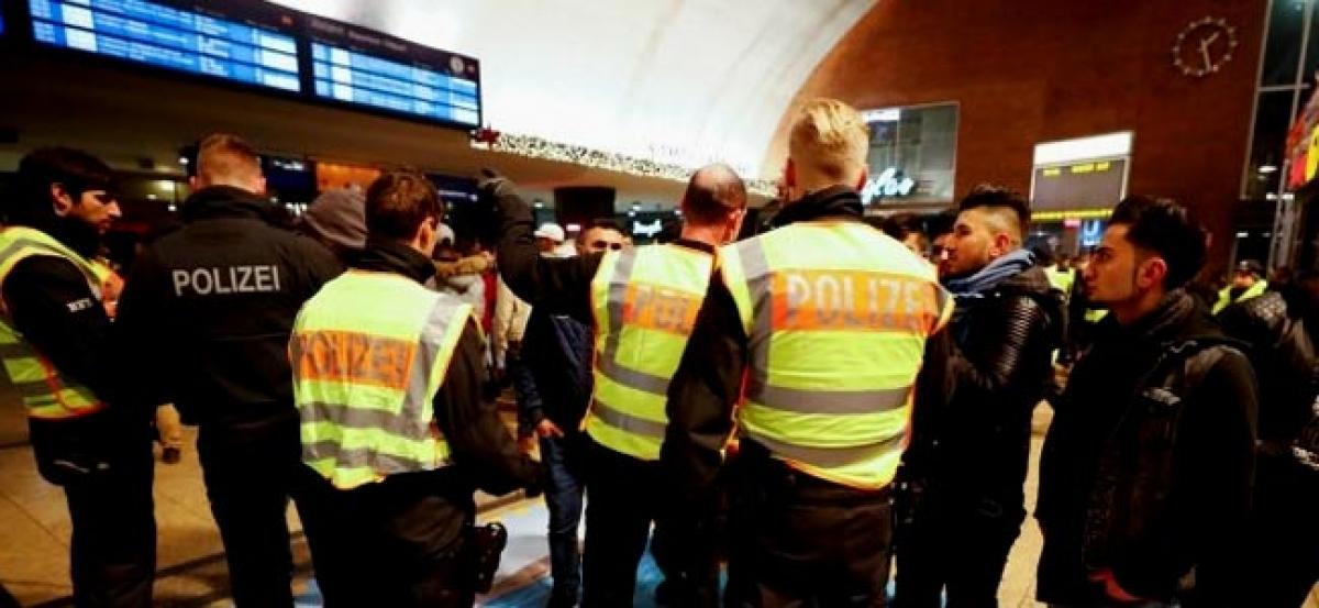 German police screen hundreds of North Africans at Cologne station