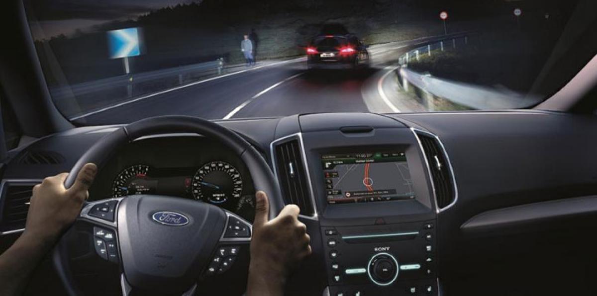 Ford develops new glare-free high-beam technology