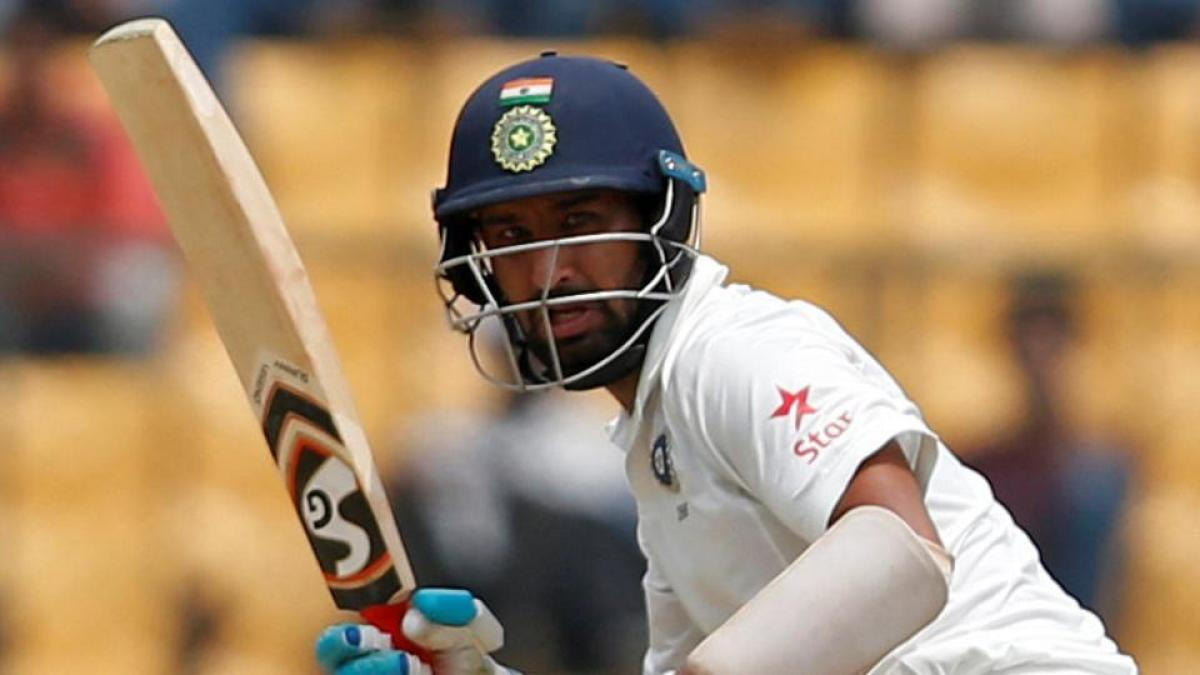 India lose crucial wickets, post 122/4 at tea