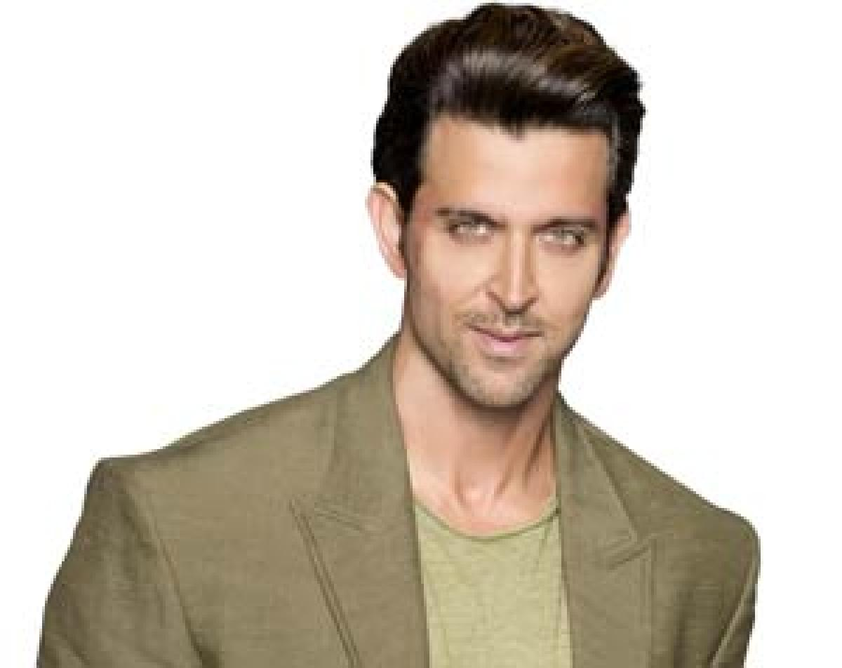Hrithik goes cryptic online