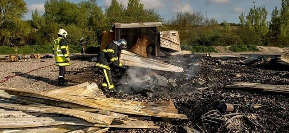 France: Grande-Synthe migrant camp gutted in fire
