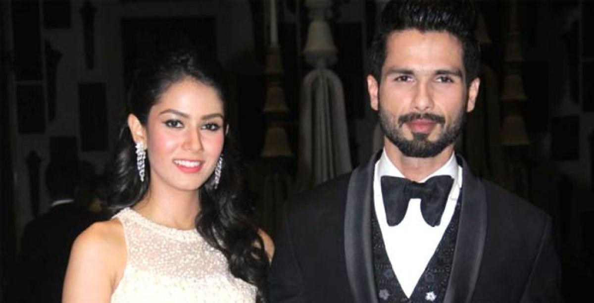 Papa to be Shahid taking good care of pregnant Mira