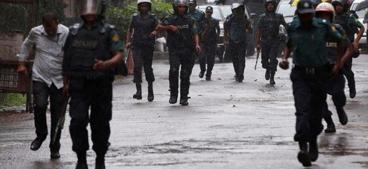 Militant commander linked to cafe attack shot dead in Bangladesh